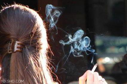دختران سیگاری حقیقتی عادی در اجتماع امروزی