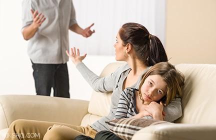 پدر و مادرها این کارها را جلوی فرزندان انجام ندهید