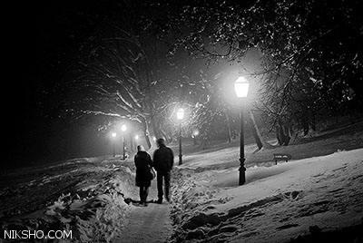 دلنوشته عاشقانه پیاده روی کنار درختان توت