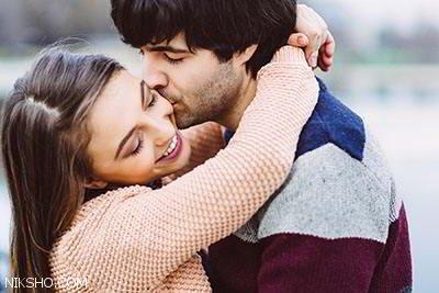 30 نشانه که می گوید مردی عاشق زنی شده است