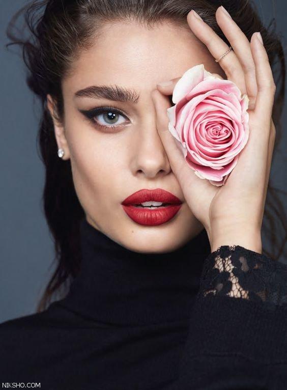 تیلور هیل مدلی که چهره اش بدون آرایش جذاب تر است