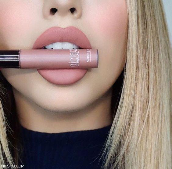 مدل های جذاب آرایش لب با رژ لب مایع