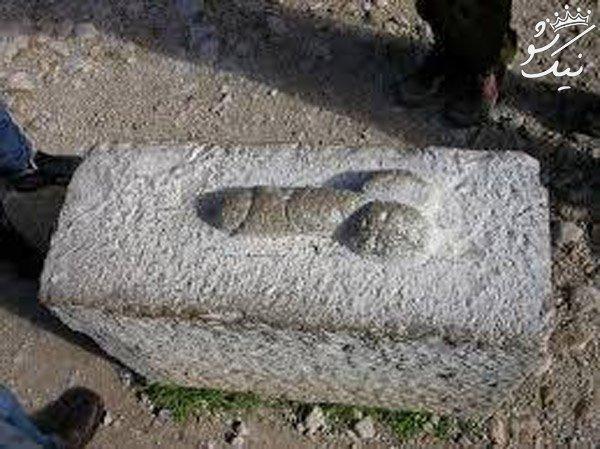 قبرستان خالد نبی و قبرهایی به شکل آلت تناسلی در گنبد کاووس +عکس