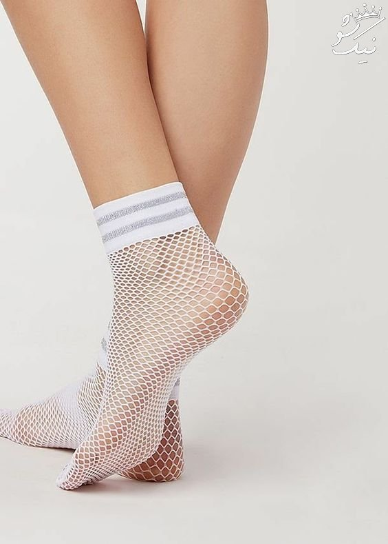 جوراب زنانه تور در انواع ساق بلند و کالج که امسال مد شده اند