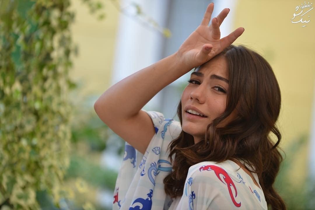 بیوگرافی دمت اوزدمیر Demet Özdemir بازیگر جذاب ترک