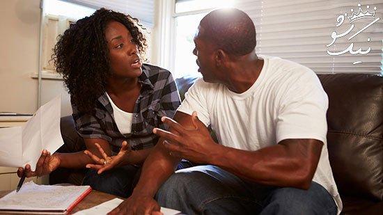 سکوت کردن میان بحث همسران و کنار کشیدن از آن