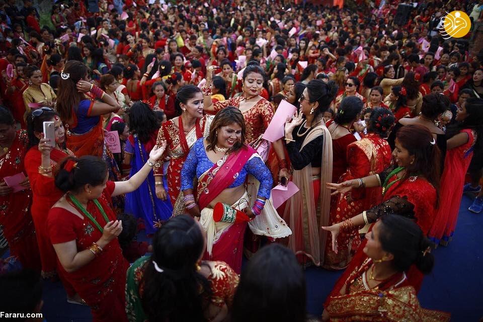 مراسم جالب دختران برای پیدا کردن پسران زیبا و جذاب