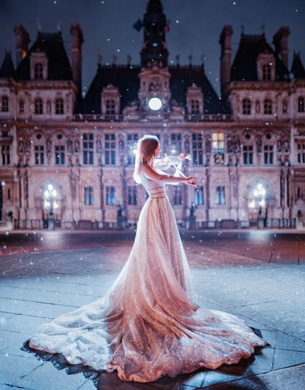 جذاب ترین عکس ها از زنان با لباس های زیبا در محیط های زیبا