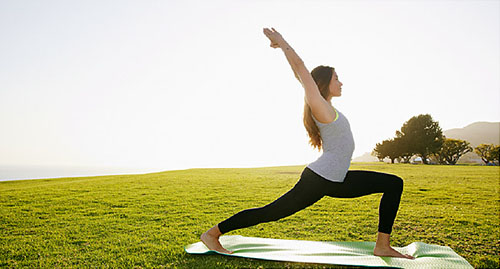 حرکات یوگا برای دوران قاعدگی در 15 دقیقه