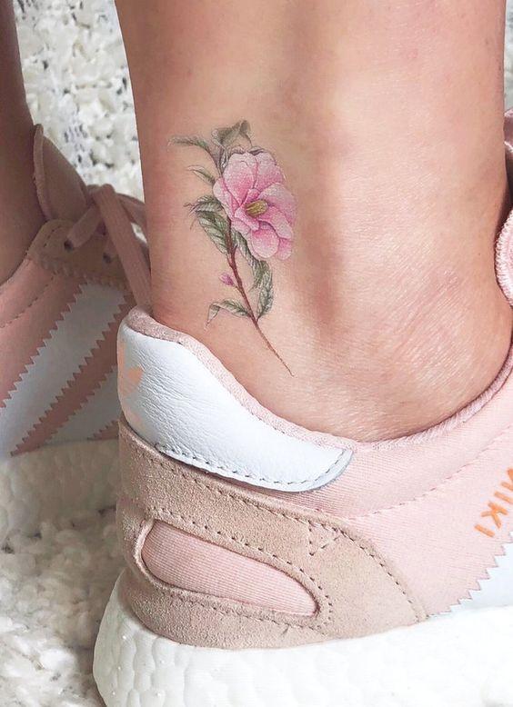طرح تاتو روی پا زنانه ، خالکوبی های جذاب 2020