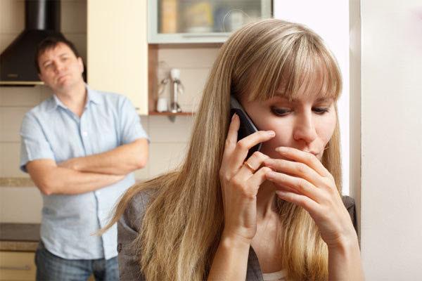 حسادت های عاشقانه به شریک زندگی و مشکلات