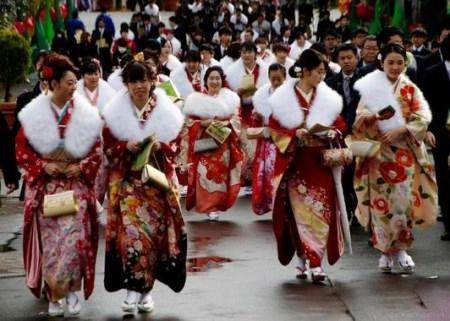 جشنواره جالب بلوغ جنسی دختران 20 ساله ژاپنی