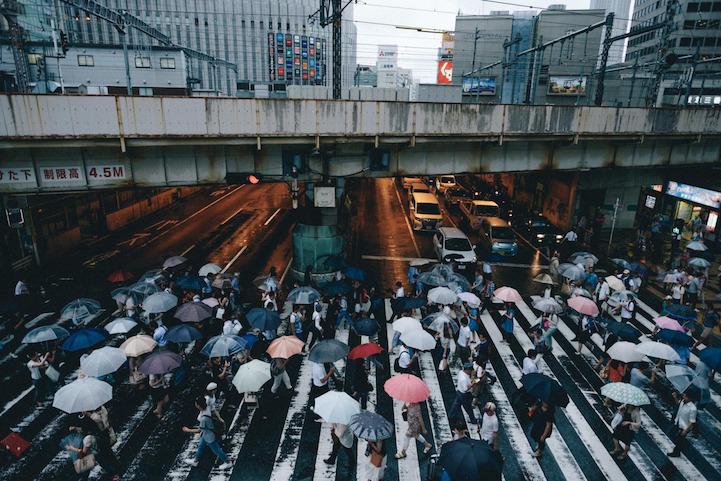 نماهای مختلفی از خیابان ها و مردم کشور ژاپن