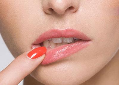 علت های ایجاد آفت دهان و راهای درمان کردن آن