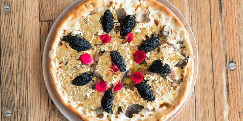 این پیتزای لاکچری از طلا را فقط ثروتمندان می خورند