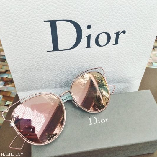 عینک آفتابی زنانه را از برند دیور dior ست کنید