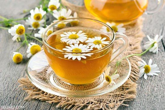 درمان آکنه و مرطوب کردن پوست با استفاده از چای قرمز