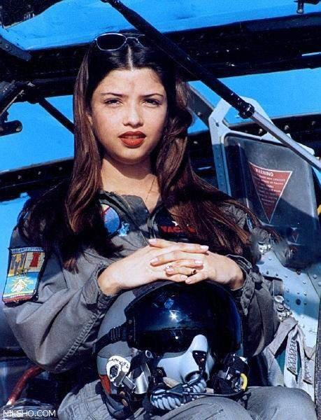 زنان خلبان جت های جنگنده در کشورهای مختلف