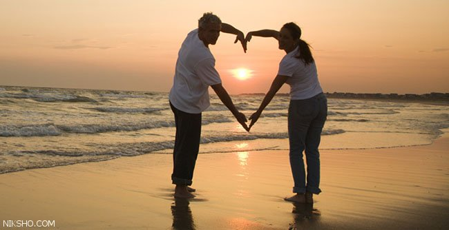 روابط عاطفی همسران شاد و خودنمایی جلوی دیگران
