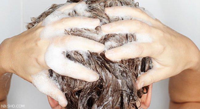 اشتباهاتی که هنگام شستن موها انجام می دهیم