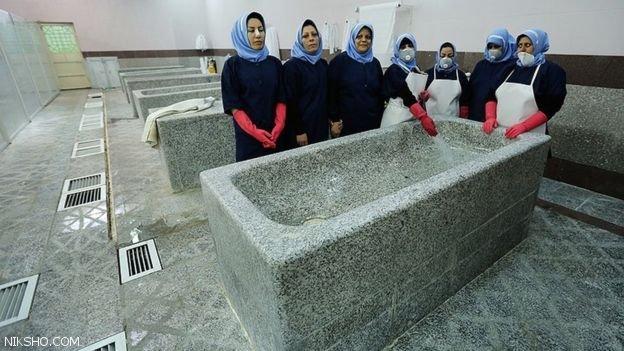 مرده شویی در غسال خانه تا هدیه دادن گل قوانین عجیب در ایران