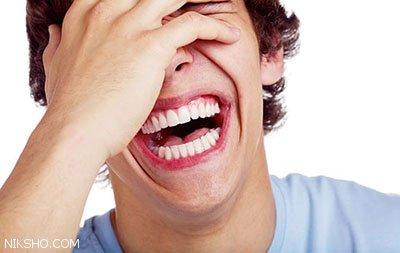 چرا پسرها از دخترها شوخ طبع تر هستند؟