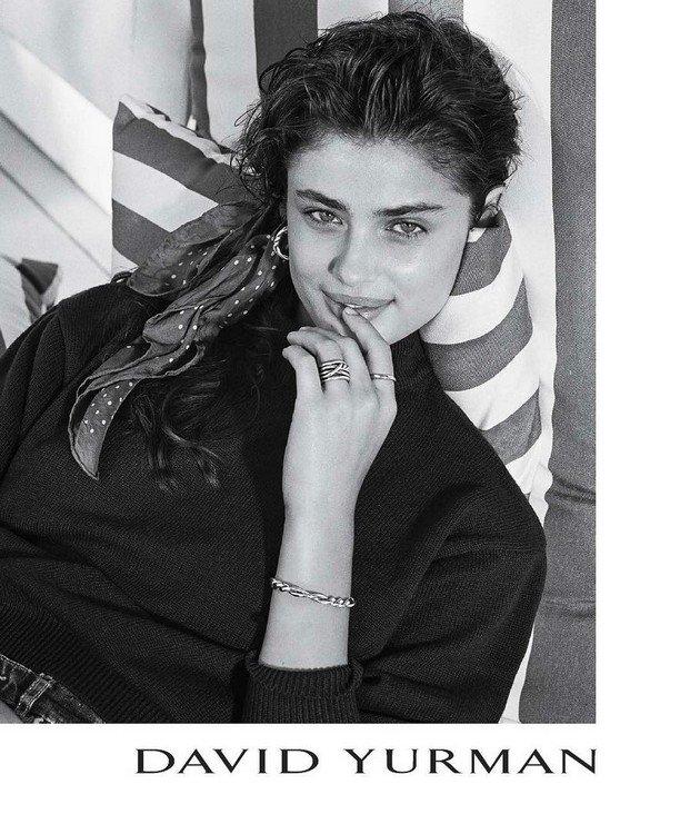 تیلور هیل مدلینگ جوان که آرایش را به چالش کشید