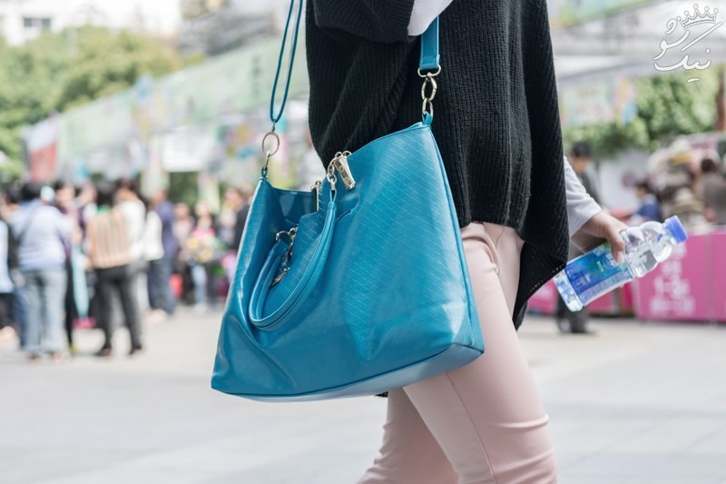 خانم ها هیچ گاه کیف سنگین حمل نکنید