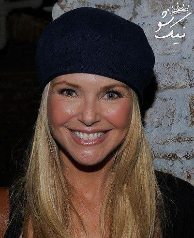کریستی برنکلی مدل 64 ساله که جوان و زیباست