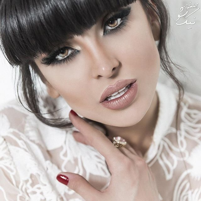 همراه با ساناز نبی مدل ایرانی در اینستاگرام