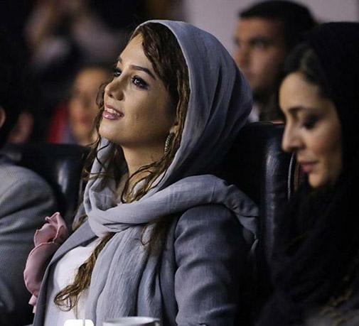 همراه با مونا برزویی شاعر بسیاری از ترانه های ایرانی