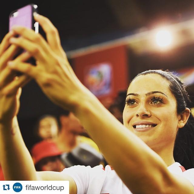 این دو دختر زیباترین فوتبالیست های جهان هستند