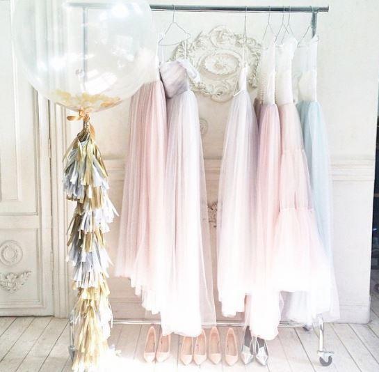 مدل های زیبای لباس عروس + دسته گل عروس و ژست های عکاسی