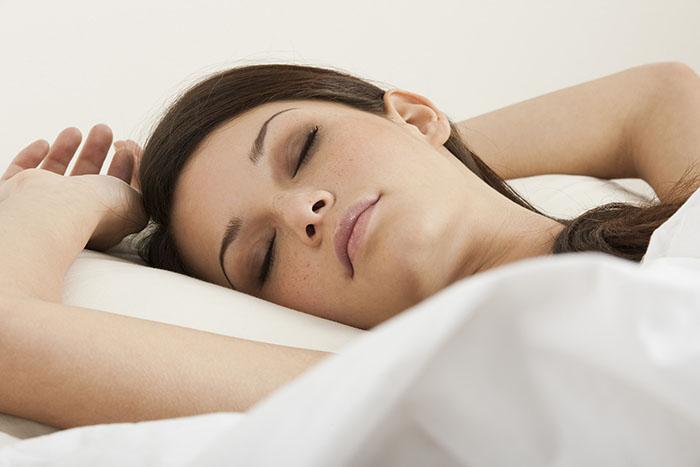 لخت خوابیدن و این فواید عالی | برهنه بخوابید