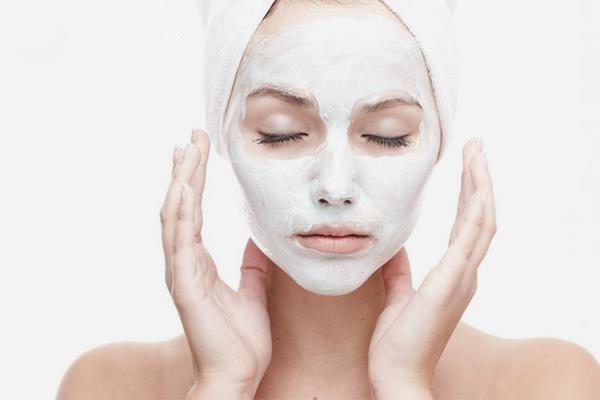 7 بهترین ماسک خانگی سفید کننده پوست
