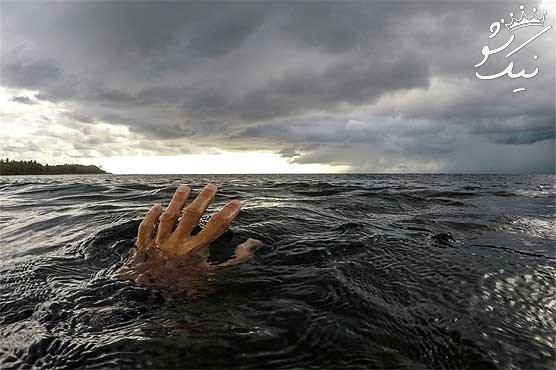 تعبیر خواب غرق شدن در آب زلال | خواب افتادن در آب