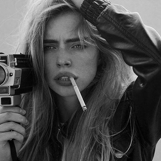 عکس پروفایل دختر سیگاری | عکس دختر تنها با سیگار