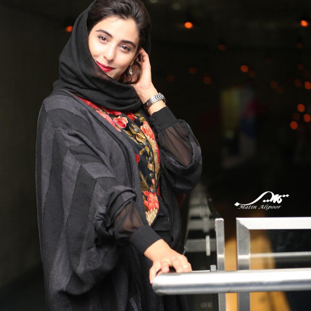 جدیدترین مدل های مانتو آناهیتا افشار در اینستاگرام