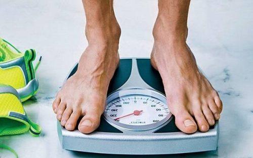 چگونه بدون رژیم و ورزش کاهش وزن داشته باشیم؟