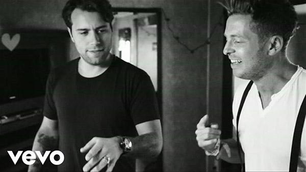 دانلود آهنگ Calling از Sebastian Ingrosso و Alesso