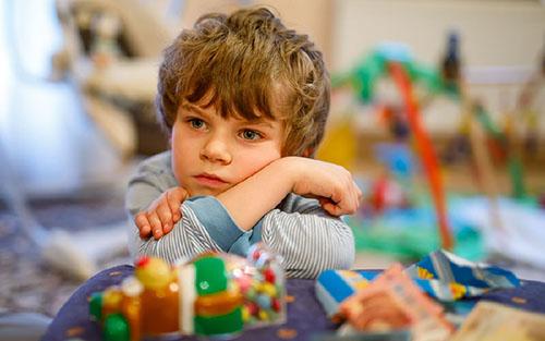 وقتی کودکان درباره مرگ سوال می کنند چه پاسخی دهیم؟