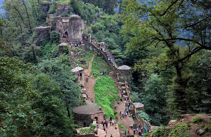 تجربه سفر به قلعه رودخان و فتح هزار پله   آدرس و امکانات