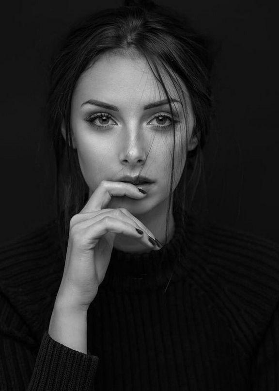 عکس های سیاه و سفید هنری دخترانه