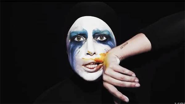 دانلود آهنگ Applause از Lady Gaga لیدی گاگا