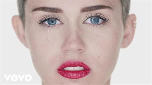 دانلود آهنگ Wrecking Ball از Miley Cyrus مایلی سایرس