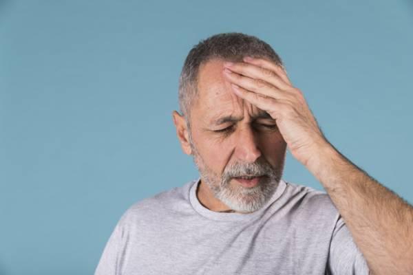 سوزش سر نشانه چیست؟ بررسی علل و درمان