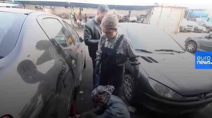 کیانا و نیلوفر ، دختران مکانیک در تهران +عکس و فیلم