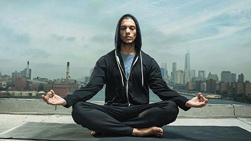 یوگا چطور باعث ایجاد حس خوب می شود؟