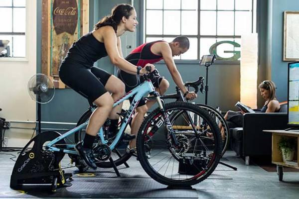 تاثیر دوچرخه ثابت در لاغری ران و باسن