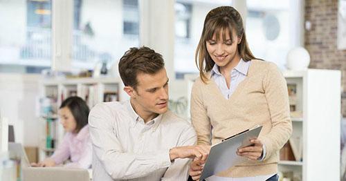 وقتی همکاران خانم برای مردان متاهل مشکل ساز می شوند